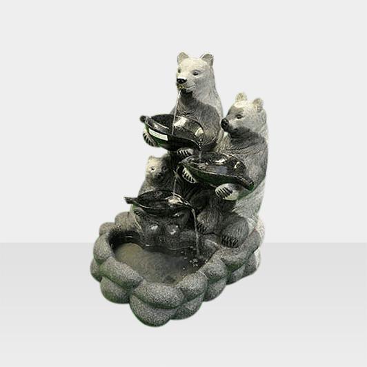 Brunnen aus Naturstein Modell Brunnen mit Bärfiguren