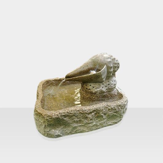 Brunnen aus Naturstein Modell Avantgarde Brunnen mit Muschel