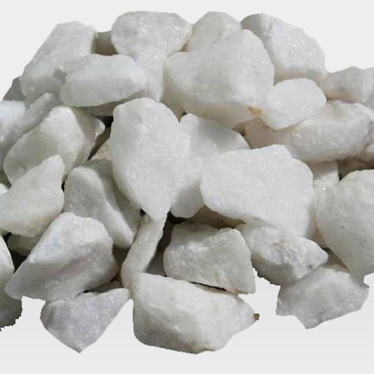 Weißer Zierkies, kantig
