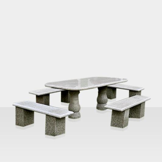 Sitzgruppe aus Naturstein, gerade