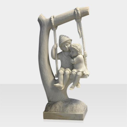 Steinfigur schaukelnde Kinder