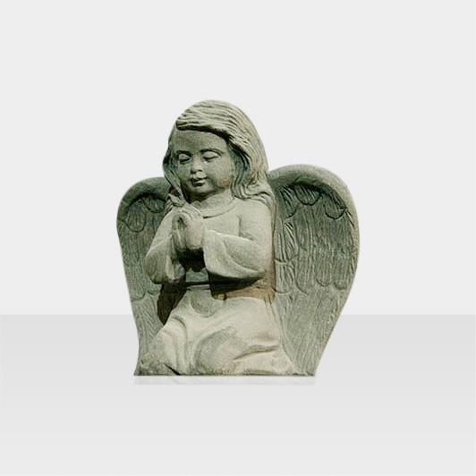 Steinfigur betender Engel